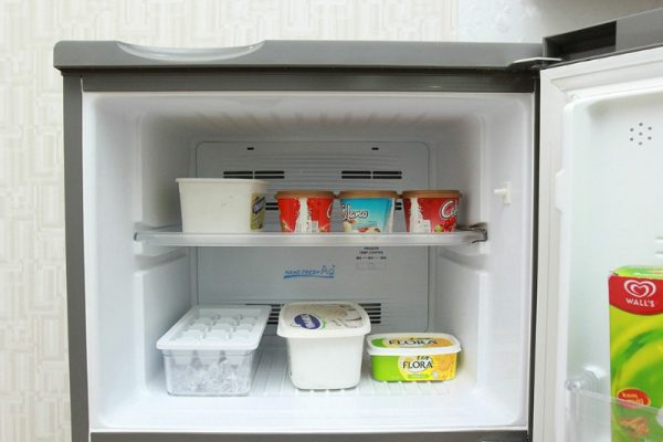 Tủ lạnh Aqua 186 lít AQR-U205BN SU