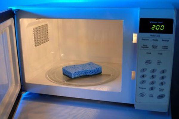 7 mẹo vặt làm sạch các đồ dùng nhà bếp trong nháy mắt
