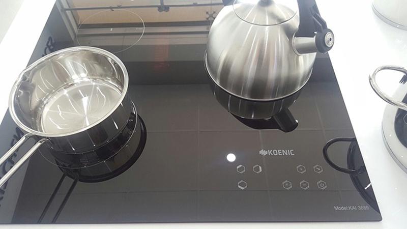Bếp từ hồng ngoại Canzy CZ-BMIX75T 3 vùng nấu riêng biệt