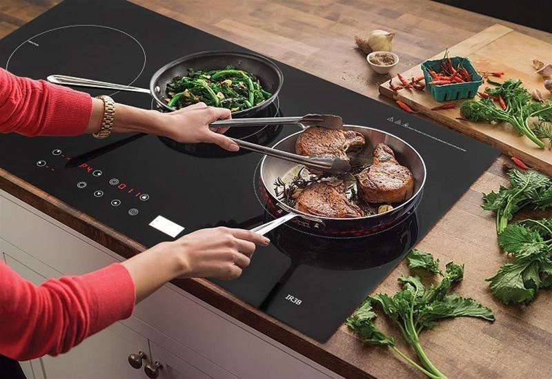 Bếp từ hồng ngoại Taka IR3B 5400W Thân thiện với môi trường