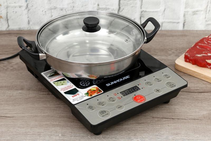 Bếp từ Sunhouse SHD6152 2000W Bếp từ đơnnày chỉ dùng loại nồi có đế nhiễm từ
