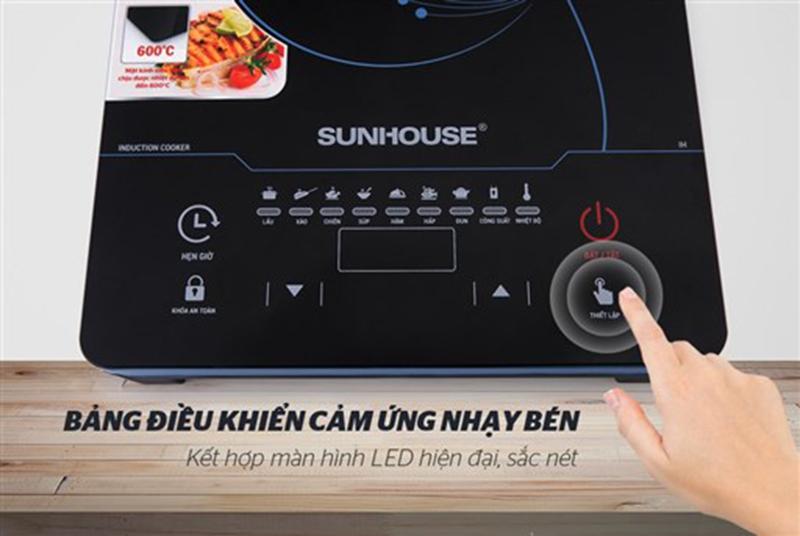 Bếp từ Sunhouse SHD6863 2200W Bảng điều khiển dễ sử dụng