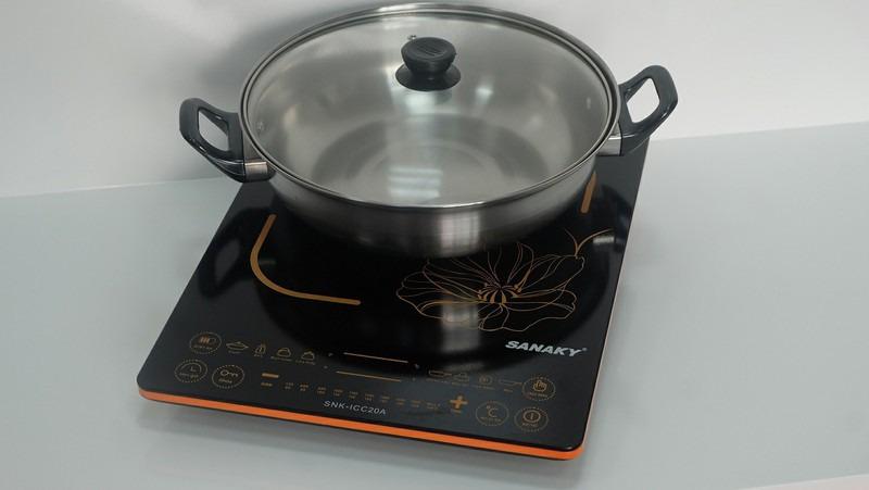 Bếp từ Sanaky SNK-ICC20A Thiết kế gọn nhẹ, tiện lợi