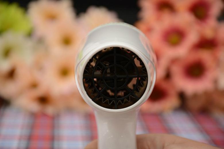 Máy sấy tóc Kangaroo KG616 công suất lớn