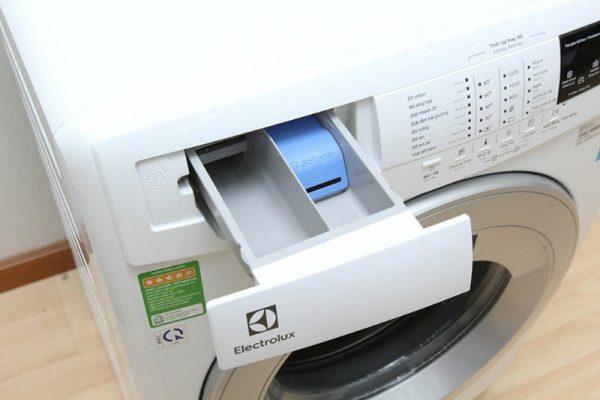 Máy giặt Electrolux 8 kg EWF12843