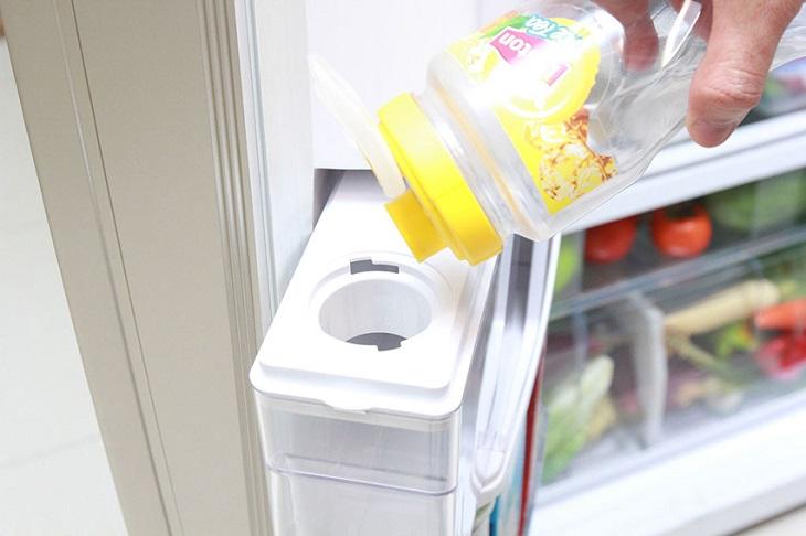 Tính năng làm đá tự động trên tủ lạnh là gì? 4