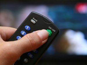tắt tivi bằng remote