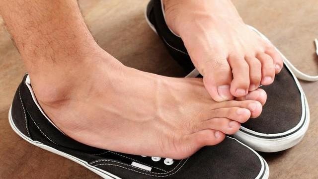 chữa bệnh mồ hôi chân