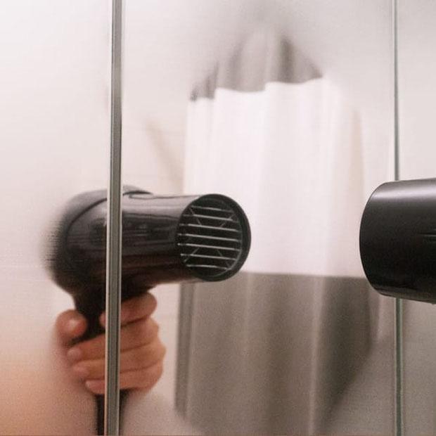loại bỏ hơi nước ở gương