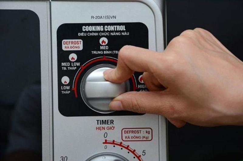 Điều khiển nút vặncó hướng dẫn tiếng Việt dễ thao tác