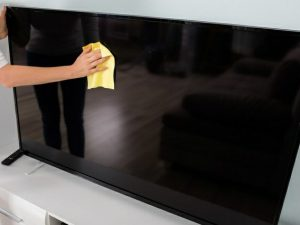Cách chống ẩm cho tivi mùa nồm 1