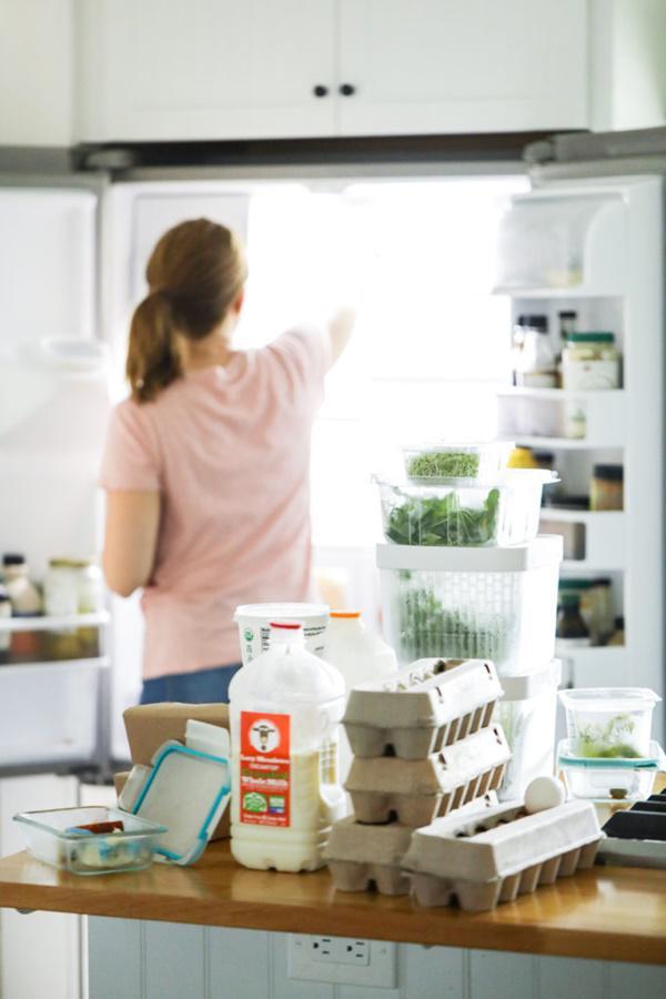 vệ sinh tủ lạnh sau tết