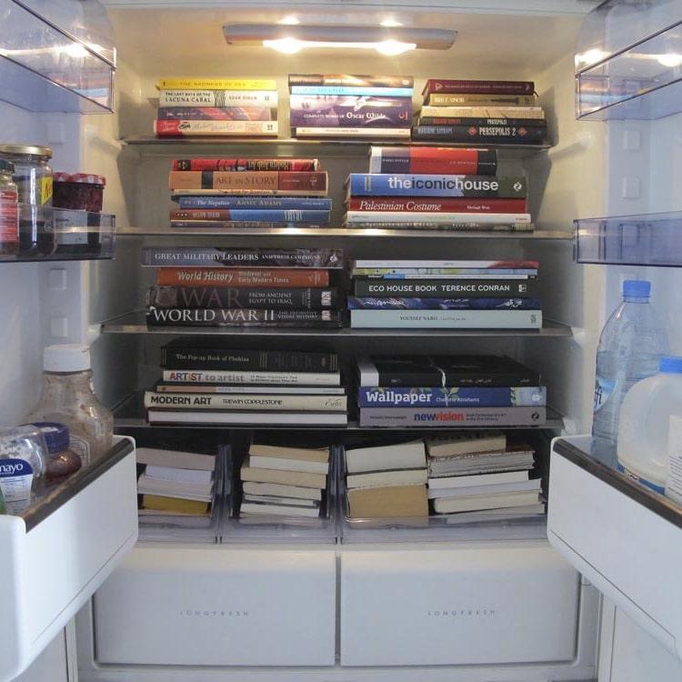 để sách trong tủ lạnh