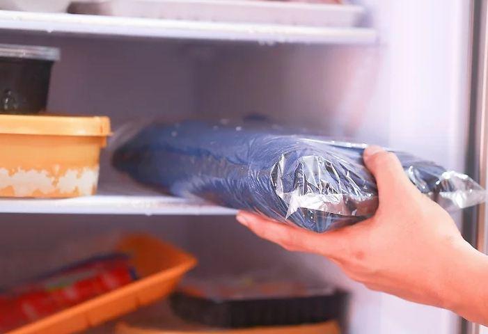 quần jean vào tủ lạnh
