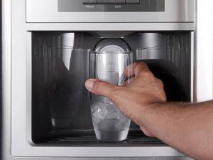 tủ lạnh làm đá tự động