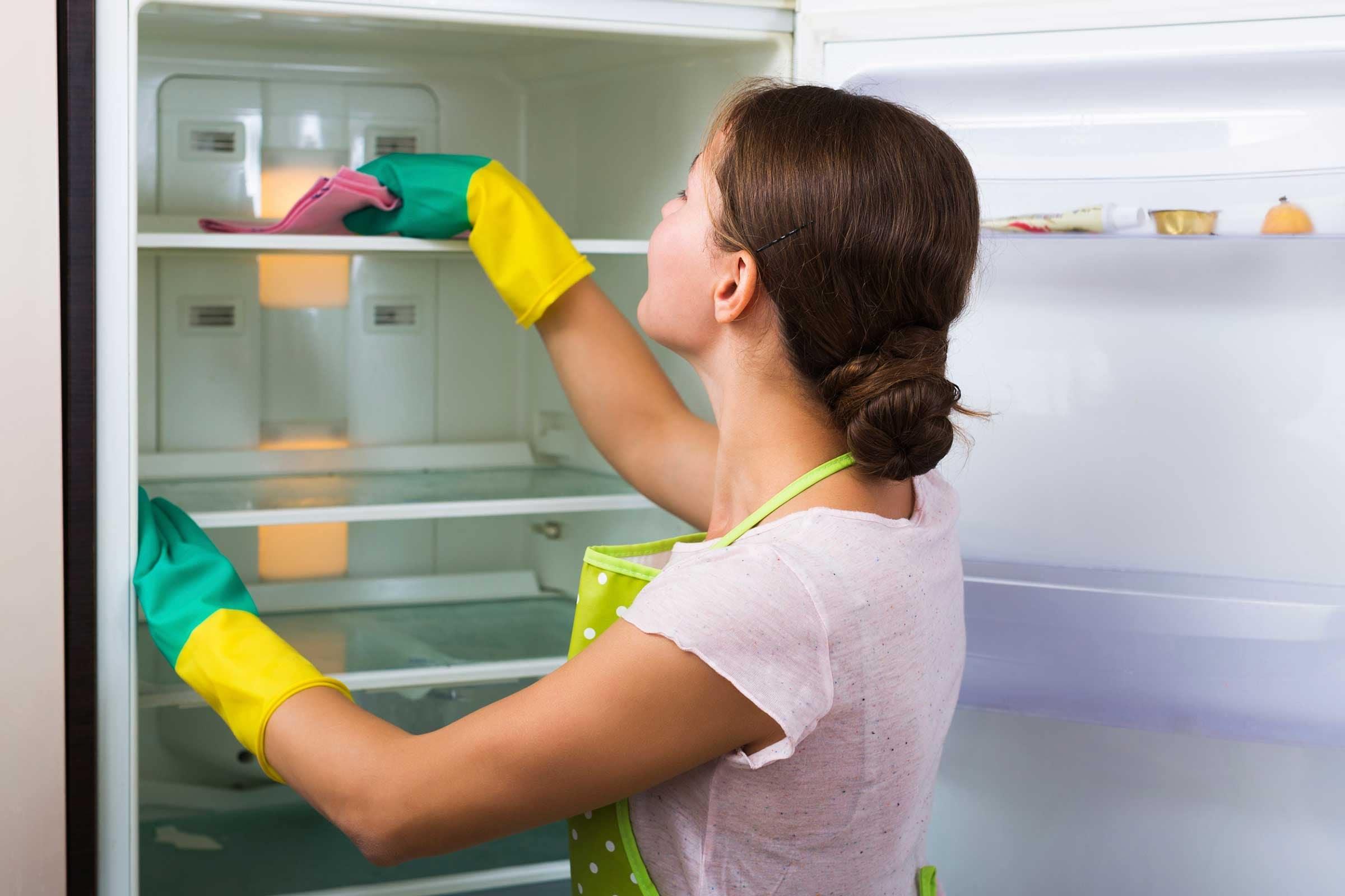 Thường xuyên vệ sinh tủ lạnh