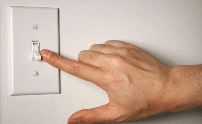 Luôn tắt bình nóng lạnh trước khi sử dụng